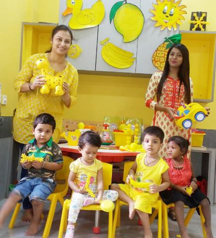 yellow day celebration in preschool best montessori kindergarten playgroup nursery 143